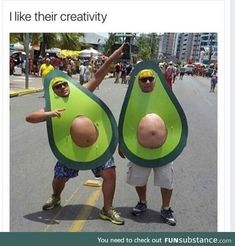 Happy Halloween to all! Bring on the Halloween Memes! Avocado Costume, Easy Funny Halloween Costumes, Halloween Disfraces, Just For Laughs, Halloween Fun, Holloween Costumes For Men, Halloween Quotes, Laugh Out Loud, Hilarious Memes