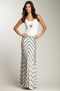 Love this grey and white skirt!