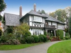 Home of -Kurt Russell and Goldie Hawn