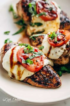 Grilled Chicken Caprese With Buffalo Mozzarella Healthy Dinner Recipes For Weight Loss, Healthy Grilling Recipes, Grilled Steak Recipes, Baked Chicken Recipes, Grilled Meat, Healthy Snacks, Cooking Recipes, Grilling Ideas, Fun Recipes