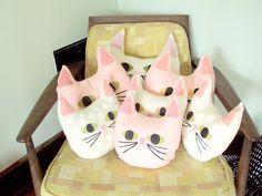 {kittycat head pillows}