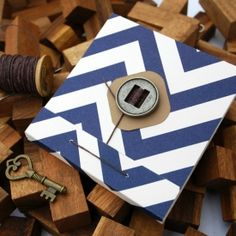 Make a matchbook-style notepad with this step-by-step tutorial. Great introduction to bookbinding.