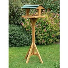 TRADITIONAL WOODEN BIRD FEEDER/FEEDING TABLE/STATION
