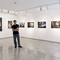 """Rocco Ceselin @roccostudio during the press preview of his exhibition """"HOLLYWOOD – MISE EN SCÈNE"""" at Omissis Festival ph: Claudia Cuido"""
