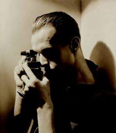 Dal 26 settembre, e fino al 25 gennaio, in mostra all'Ara Pacis di Roma la retrospettiva Henri Cartier-Bresson, a cura di Clément Chéroux. A dieci anni dalla morte del fotografo francese, tra i fondatori dell'agenzia Magnum, l'esposizione è realizzata dal Centre Pompidou di Pari