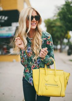 love the colored bag w/ floral blouse