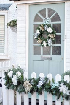 Coastal Cottage Christmas
