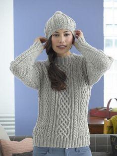 Aransweater. Dejlig, varm sweater, som aldrig går af mode. Den er i 100 % uld og strikkes på pinde 5. Der er en del snoninger (kabler).