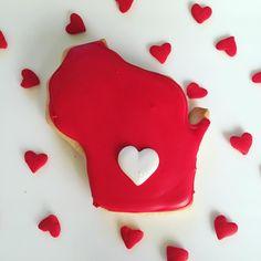 Happy Valentine's Day! Love, Wisconsin by @cookiesbykatewi