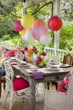 Garden and Home | Colourful Christmas table setting