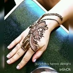 Hello there, Want to learn various new mehndi pattern? Rose Mehndi Designs, Henna Hand Designs, Mehndi Designs For Girls, Mehndi Designs For Beginners, Modern Mehndi Designs, Bridal Henna Designs, Mehndi Design Pictures, Dulhan Mehndi Designs, Mehndi Designs For Fingers
