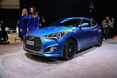 The 2016 Hyundai Veloster Turbo is a hatchback with three doors. The Hyundai Veloster Turbo is the basic, re: mix and Turbo trim levels. The 2016 Hyundai Veloster is the type of person who likes to be different. Veloster Turbo, Hyundai Veloster, Ford Fiesta St, Automotive News, Top Cars, Car Brands, Future Car, Car Manufacturers, Car Pictures