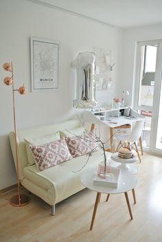 1. Bloggeburtstag-living.elements-Schreibtisch-Schlafcouch-Arbeitszimmer