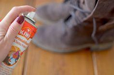 Protector de sapatos Kiwi® Delicate Protector o notável efeito de impermeabilizaçao e protecção até 15 dias contra manchas da chuva.