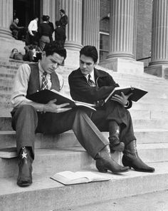 Carl Mydans, Students studying on the school steps before class, Texas, USA, 1939.
