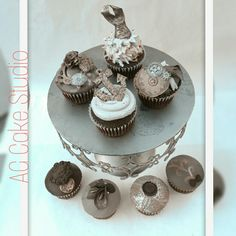 Nautical Steampunk Vintage Black and Gold Cupcakes