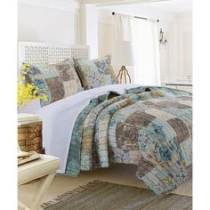 Greenland Home Fashions Elle Quilt Set ($75) ❤ liked on Polyvore featuring home, bed & bath, bedding, quilts, brown pillow shams, teal green bedding, brown twin bedding, geometric bedding and floral bedding