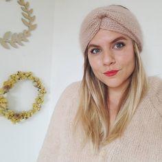 Headband Laine, Bandeau Torsadé, Marie Claire, Couture, Knitting Accessories, New Shop, Diy Crochet, Headbands, Winter Hats