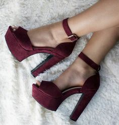 Everything You Didn't Know You Wanted to Know About High Heels: Platforms, Wedges, and Pumps. Dream Shoes, Crazy Shoes, Me Too Shoes, Heeled Boots, Shoe Boots, Shoes Heels, Pretty Shoes, Beautiful Shoes, Beautiful Images