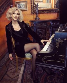 Life is like a piano 🎼 What you get out of it, depends on how you play it 🎼 tinuta… Life Is Like, In Pantyhose, Getting Out, Sexy Body, Piano, Sexy Women, Hair Cuts, Bodysuit, Beautiful Women