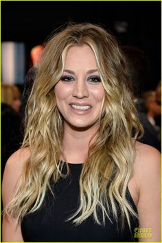 kaley cuoco wins favorite comedic tv actress at pcas 02 Kaley Cuoco is all dolled up at the 2014 People's Choice Awards held at the Nokia Theatre L.A. Live on Wednesday (January 8) in Los Angeles.    The 28-year-old…