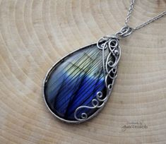 Handmade Design, Handmade Necklaces, Fashion Art, Pendant Necklace, Gallery, Things To Sell, Jewelry, Jewlery, Roof Rack