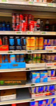 Bulls Wallpaper, Retro Wallpaper, Red Bull, Monster Energy, Teenage Dream, Red Aesthetic, Energy Drinks, Cool Things To Make, Aesthetic Wallpapers