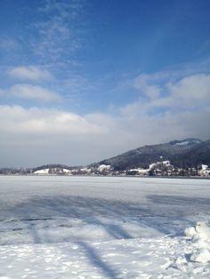 Bayerische Alpen im Winter: Langlaufen, Rodeln, wandern... Das ist Urlaub am Tegernsee.