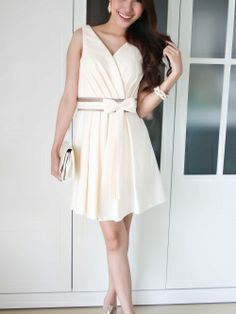 Simple but Beautiful  See more items at http://goodfeelingdress.lnwshop.com/