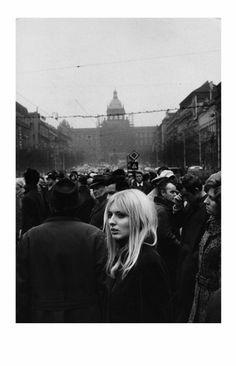 Marc Riboud – Prague, 1972