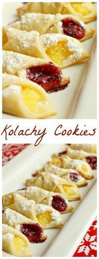 Kolachy Cookies Kolachy Cookie recipe to test. I like that the dough itself isn't sweetened, the fillings and powdered sugar dusting seems plenty sweet! Kolachy Cookies, Cookies Receta, Yummy Cookies, Fruit Cookies, Shortbread Cookies, Kolachy Cookie Recipe, Kolaczki Cookies Recipe, Cake Cookies, Sugar Cookies