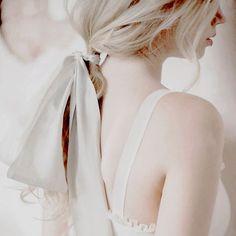 New hair white blonde pale skin Ideas White Blonde Hair, Pale Blonde, Blonde Hair Girl, Blonde Hair With Highlights, Platinum Blonde Hair, Blonde Aesthetic, Pale Aesthetic, Hair Pale Skin, Overnight Hairstyles