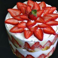 Memorial Day Dessert Recipe: Strawberry Trifle  #Recipe #MemorialDay #Dessert  www.AZFoothills.com  Yumm!