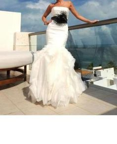 8d7a1d3e31fd This dress is #Ethel from #VeraWang. It is a strapless stretch silk mikado