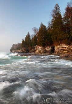 Washing Up - Cave Point County Park (Door County, WI) by Aaron C. Jors, via Flickr
