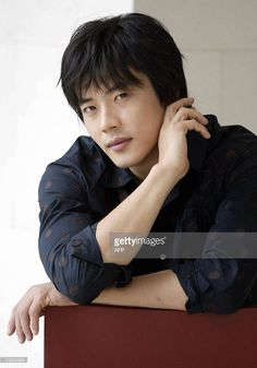 This file picture taken 24 July 2004 in Seoul shows South Korea's top film star Kwon Sang-Woo. South Korean prosecutors said 07 February 2007 they have widened their probe into threats against. Sad Love Stories, Love Story, Kwon Sang Woo, Song Seung Heon, Korean Shows, Top Film, Asian Celebrities, Korean Entertainment, Theater