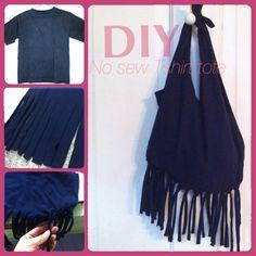"""Crie uma bolsa com uma camisa """"velha"""" =) 1- Corte as mangas da blusa. 2- Corte de baixo para cima cerca de 5 a 8 cm de comprimento de tiras largas em toda a extensão da largura da camisa (corte dependendo da variação de franja que você quer). 3- Puxe as tiras para baixo e amarre-as. 4- Corte o buraco do pescoço e a parte superior dos ombros, temos 4 tiras agora, amarre-as e pronto.    Créditos: TEALOU AND SWEETPEA. Tutorial bem melhor explicado lá =)"""