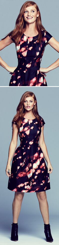 Who's ready to make a head-turning fashion statement? This Calvin Klein printed fit-and-flare dress is so gorgeous!