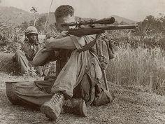 2 sniper bantai pasukan 1 kompi !