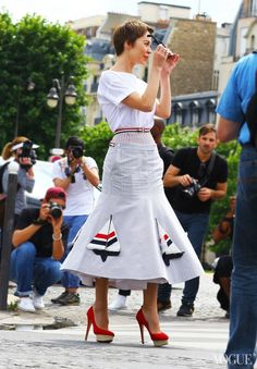 46 Street Style Snaps from Haute Couture – Paris Fashion Week Fall 2013.   I so want that skirt!!!