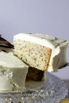 (Canada)ArtandtheKitchen: Moist Banana Cake with Cream Cheese Frosting  @Pascale De Groof