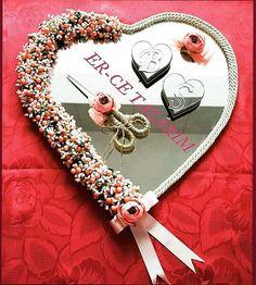 Garland Wedding, Wedding Decorations, Engagement Ring Platter, Ring Pillow Wedding, April Wedding, Rangoli Designs, Creative Design, Wedding Gifts, Diy And Crafts