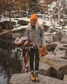 Winter Camping Outfits For Women 23