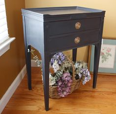 The Black Sheep Shoppe: Vintage Nightstand painted in Annie Sloan Chalk Paint's Graphite.