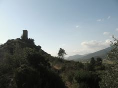 Sopra il Monte di #Caprona 16 aprile 2016 《così vid'io già temer li fanti ch'uscivan patteggiati di Caprona vegendo sé tra nemici cotanti》#Dante (Inferno, XXI, 94-96).