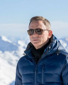 Danijel Krig, glumac koji je postao planetarno popularan tumačeći lik najpopularnijeg agenta na svetu Džejmsa Bonda, oštro je demantovao glasine, da će glumiti sporednu ulogu u nastavku filma Ratovi zvezda.