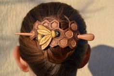 Handmade mother gift Honeycomb Hair Pin Hair Stick Valentines gift Womens Gift Mom Wife Gift Gift for Her Bee Hair Barrette Haarstab Handmade Hair Accessories, Handmade Jewelry, Gifts For Wife, Gifts For Her, Crea Cuir, Hair Sticks, Hair Barrettes, Leather Craft, Mother Gifts