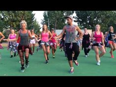 Juicy wiggle by Petros - YouTube