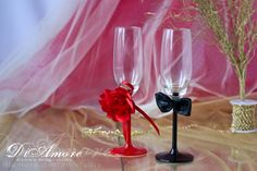 Hot red and black #champagne #flutes/ table settings/ от #DiAmoreDS