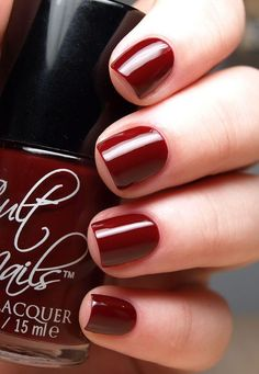 7 steps for the perfect salon manicure- I am going to try because my nails are thin Makeup And Beauty Blog, Beauty Nails, Beauty Ideas, Beauty Products, Nagel Hacks, Tips Belleza, Diy Nails, Neon Nails, Manicure And Pedicure